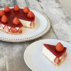 ストロベリーレアチーズケーキ